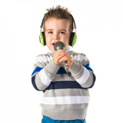 Kid singing © luismolinero - fotolia.com